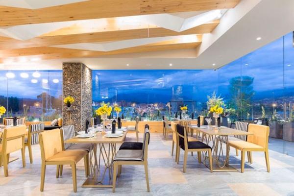 hotel-rione-cuenca-salon-eventos601191EAA-2378-70EC-43E3-8E9C9EE084CB.jpg